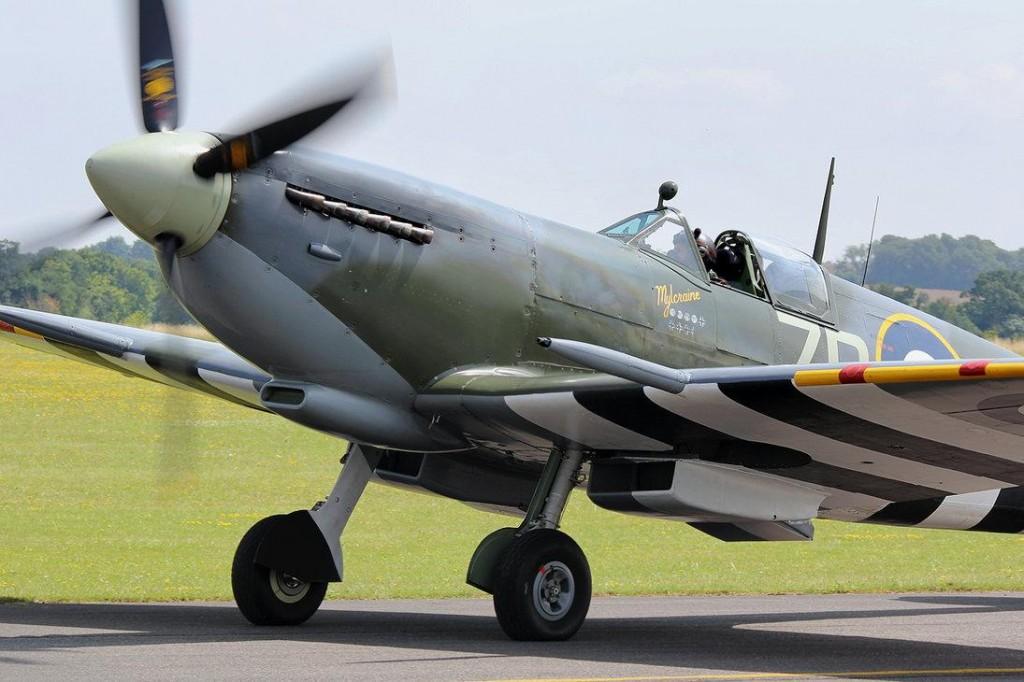 Supermarine Spitfire LF.IXb by NamelessFaithlessGod